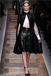 Fall Winter 2012-13 Valentino, Paris - click on the photo to see the complete collection and review on Vogue.it