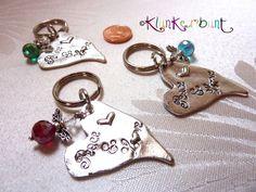 """_*Schlüsselanhänger """"Peace & Love""""*_    ♥ Eine liebevolle Geschenkidee für Ostern und viele andere Gelegenheiten! ♥    Möchtest Du einem lieben Men..."""
