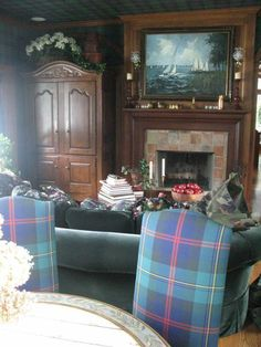 Frank and Kathie Lee Gifford's family room.