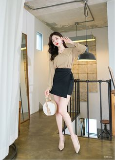 T-Shirts, Dress, Blouse, Skirts, Pants & Office Outfits Women, Girl Outfits, Fashion Outfits, Korean Dress, Korean Outfits, Ulzzang Fashion, Korean Fashion, Look Blazer, Girls In Mini Skirts