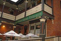 Vinny Vanucchi's italian 201 South main street