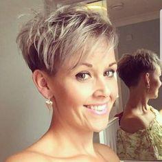 40 Stylish Pixie Haircut For Thin Hair Ideas 20 Pixie Haircut Thin Hair, Haircuts For Fine Hair, Short Pixie Haircuts, Pixie Bob Hair, Short Funky Hairstyles, Undercut Pixie Haircut, Wavy Pixie, Pixie Crop, Bob Haircuts