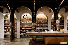 Room Factory / Maincourse Architect