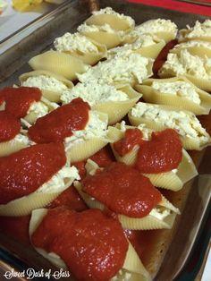 Stuffed Cheesy Shells- www.SweetDashofSass.com