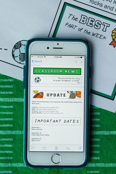 Classroom Newsletter Templates: Sports Themed - These mobile-friendly templates make class communication easier for teachers and more accessible for parents. (Customize with PowerPoint or MailChimp. Newsletter Format, Classroom Newsletter Template, Newsletter Templates, School Resources, Learning Resources, Teacher Resources, Teaching Ideas, Parent Teacher Communication, Parent Volunteers