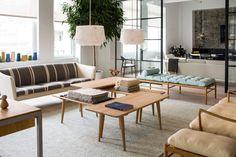 Carl Hansen & Son's New York showroom Hans Wegner, Danish Modern Furniture, Classic Furniture, Tattoo Studio, Crittall, Interior Architecture, Interior Design, Scandinavian Architecture, New York Pictures
