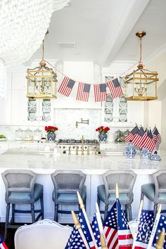 Summer Entertaining - Easy Decor and Ice Cream Sundae Bar for the Fourth of July - simple patriotic decor ideas for the of July
