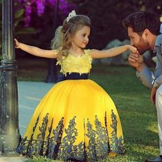 Aliexpress.com: Comprar Boda saudita amarilla flor vestido de niña ...