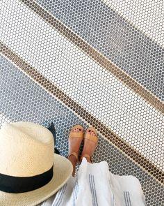 19 new Ideas for bathroom tiles floor gray wainscoting Rv Bathroom, Bathroom Floor Tiles, Bathroom Renovations, Bathrooms, Wainscoting Bathroom, White Bathroom, Floor Design, Tile Design, Penny Tile Floors