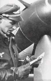 Erich Hartmann: The highest scoring fighter pilot of all time! Luftwaffe, Fighter Pilot, Fighter Jets, Erich Hartmann, Heroes And Generals, Flying Ace, German Army, Second World, Military Aircraft