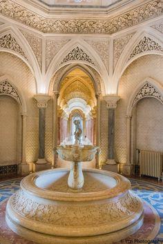 entrada al palacio de monserrate Design Case, Fountain, Outdoor Decor, Home Decor, Lisbon, Palaces, Entryway, Parks, Viajes