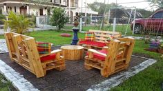Here is the look of the repurposed wood pallet patio lounge furniture from the backside, you can see that the table is covered half and it's the back view of the table. It is better to create the furniture for the patio lounge to arrange something to sit comfortably and enjoy with the family or friends. There is no need to invest a huge amount for fulfilling the seating need when a person can reshape the already available wood pallets and get the benefit of the skill he/she has. Try this…