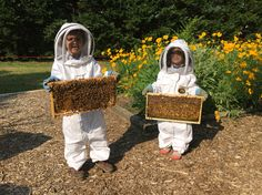 Beekeeping with children = A beautiful thing ❤️