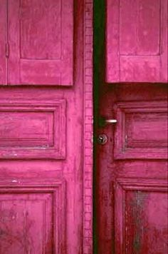 (If I'm gonna' have a blue door, it might as well be cobalt blue! Blue Dream, Love Blue, Blue And White, Bleu Indigo, Himmelblau, Blue Aesthetic, Electric Blue, Color Azul, Windows And Doors