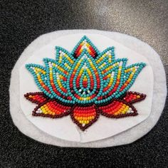Most current Photo powwow Beadwork Ideas Line strain can create a massive affect the way your jewellery looks. No-one hopes to invest working hours be Powwow Beadwork, Native Beadwork, Native American Beadwork, Native Beading Patterns, Beadwork Designs, Beaded Earrings Native, Beaded Earrings Patterns, Lotus, Art Perle