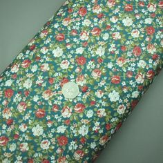Ditsy floral print cotton fabric (321945511755)