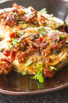 Quick Sun-Dried Tomato Chicken Recipe - replace heavy cream with coconut cream Turkey Recipes, Chicken Recipes, Food Dishes, Main Dishes, My Burger, Cooking Recipes, Healthy Recipes, Drink Recipes, Breast Recipe