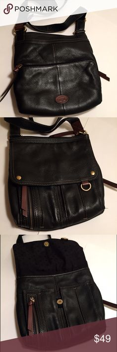 """Fossil crossbody bag Excellent condition. Black pebble leather, brown logo, zippers attachments. Impeccably clean inside out. Brown contrast stitching. Inside 2 unzipped, 1 zipped pockets. Front - one open, one zipped compartment. Back- 2 pockets, one w/ zipper. Strap at 23"""" now, adjustable. 11.5"""" x 10-11"""" x 1.5-2.5"""". Fossil Bags Crossbody Bags"""