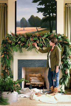 Festive DIY Xmas Garlands Ideas for Fireplaces and Stairs