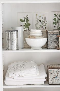 75 Best Swedish Decor Style for Your Perfect Summer Swedish Decor, Swedish Style, Swedish House, Swedish Interiors, Cottage Interiors, White Cottage, Cottage Style, Muebles Shabby Chic, Vibeke Design