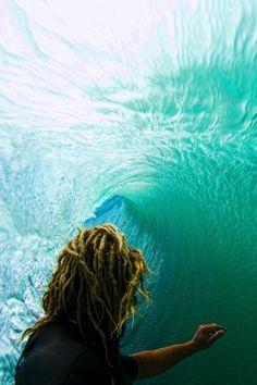 #LL @lufelive #Surfing #Tube