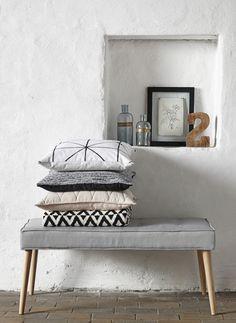 flur möbel praktisch funktional modern bank mit schubladen   Flur ...