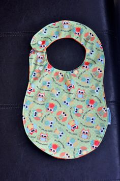Babyville Boutique Owls PUL Side Snap Bib by SpoonerSistersDesign, $12.50 Bibs, Owl, Diy Crafts, Gift Ideas, Boutique, Sewing, Trending Outfits, Unique Jewelry, Handmade Gifts