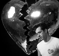 Mark Ronson announces new album with Lykke Li collaboration Late Night Feelings Angel Olsen, Mark Ronson, Video Artist, Get To Know Me, Late Nights, Baby Daddy, My Favorite Music, Music Bands, Jukebox