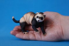 Realistic articulated doll (BJD) - Ferret 8cm in back. Faithful companion and friend :)