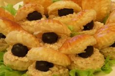 Romanian Food, Onion Rings, Scones, Finger Foods, Food Dishes, Bon Appetit, Sushi, Appetizers, Food And Drink