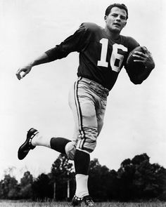 Giants legend Frank Gifford died on August 9, 2015. One of the Best ever... <3