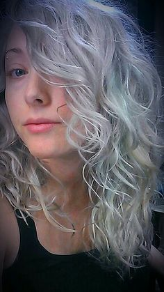 I'm obsessed with white and grey hair.
