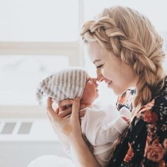 Newborn Photography - Shooting Great Photos Is Only A Few Tips Away Foto Newborn, Newborn Baby Photos, Newborn Shoot, Newborn Pictures, Baby Newborn, Baby Birth, Baby Hospital Pictures, Birth Pictures, Birth Photos