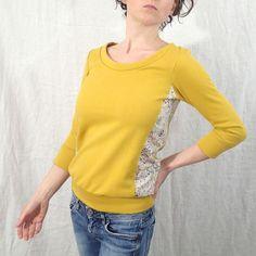 http://www.alittlemarket.com/pulls-gilets/fr_pull_molleton_sweat_shirt_moutarde_et_imprime_etoiles_multicolores_-13029835.html