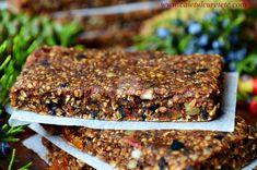 Batoane energizante cu fructe (raw-vegane) - CAIETUL CU RETETE Healthy Protein Snacks, Healthy Eating, Raw Vegan, Banana Bread, Deserts, Cooking, Inspiration, Eating Healthy, Kitchen