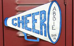 Super Ideas For Door Decorations Cheer Camp Locker Signs Cheer Box, Cheer Camp, Cheer Coaches, Cheer Party, Cheer Gifts, Team Gifts, Cheerleading Locker Decorations, Cheer Decorations, Varsity Cheer