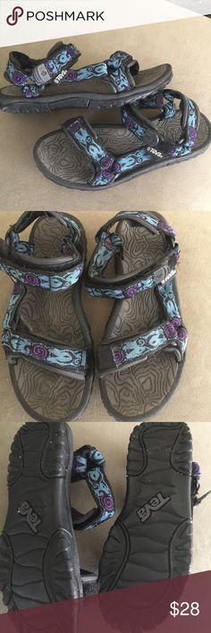Teva  pretty rugged size 8 Teva  pretty rugged size 8 Teva Shoes Sandals