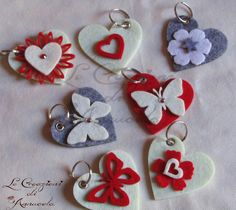 Le Creazioni di Annucola: Idee Regalo Natale 4° episodio Handmade Crafts, Diy And Crafts, Crafts For Kids, Arts And Crafts, Felt Diy, Felt Crafts, Felt Keychain, Shots Ideas, Ribbon Sculpture