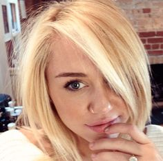 "PIC: Miley Cyrus Gets ""Rachel""-like Haircut from Jennifer Aniston's Stylist"