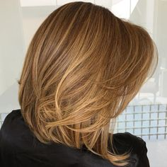 Find out what is a long bob, discover cutest long bob haircuts from top stylists and reveal little secrets how to style this cut for best results. Lob haircut is a great fit for all face shapes, hair textures and personalities! Medium Layered Haircuts, Long Bob Haircuts, Long Bob Hairstyles, Layered Lob, Long Layered, Pixie Haircuts, Layered Cuts, Everyday Hairstyles, Braided Hairstyles