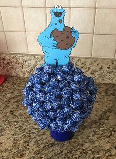 Sesame Street birthday party ideas/ Sesame Street decorations / candy centerpiece