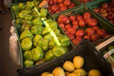 Kärntens Bauernmärkte Stuffed Peppers, Vegetables, Food, Fresh, Nice Asses, Stuffed Pepper, Essen, Vegetable Recipes, Meals