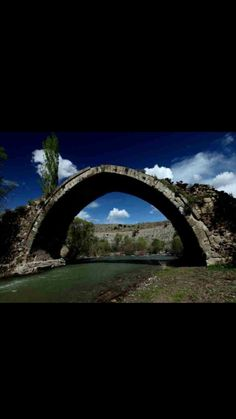 Bridge-Handere bridge-Mirçinge bridge-Constructive: Estimated Mengücekogulları-Year built: Estimated 13th century-Handere-Divriği-Sivas