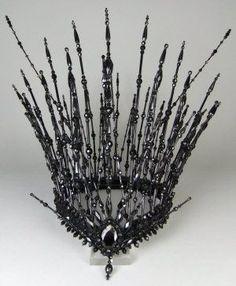 [nice tiara for a Gothic wedding] Dark Queen, Ice Queen, Diy Accessoires, Circlet, Tiaras And Crowns, Costume Makeup, Headgear, Headdress, Fancy Dress