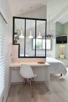 Verriere-industriel-industrielle-fenetre-interieur-atelier-renovation-inspiration-decoration-deco-inspo-verre-blanc-bois-metal