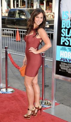 The latest tips and news on jennifer-love-hewitt are on Best Celebrity Legs in High Heels. On Best Celebrity Legs in High Heels you will find everything you need on jennifer-love-hewitt. Tight Dresses, Sexy Dresses, Prom Dresses, Dresses Uk, Long Dresses, Beautiful Celebrities, Gorgeous Women, Jennifer Love Hewitt Body, Jennifer Garner