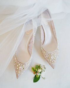 Blush pink embellished flats: Photography : Jose Villa Photography Read More on . , Blush pink embellished flats: Photography : Jose Villa Photography Read More on . 2017 Wedding Trends, Wedding Dress Trends, Bride Shoes, Prom Shoes, Shoes Heels, Manolo Blahnik, White Bridesmaid Dresses, Wedding Heels, Wedding Bride