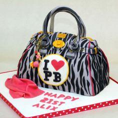 Handbag cake   www.littlecakecupboard.co.uk