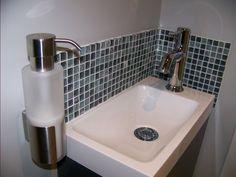 """Photo """"détail faïence mosaique et porte-savon mural"""" - Décoration - WC Haute Marne, Small Basin, Sink, Home Decor, Toilets, Sink Tops, Vessel Sink, Decoration Home, Room Decor"""