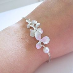 Orchid Flower Charm Bracelet, Friendship Bracelet, Wedding bracelet, Bridesmaid Jewelry, Wedding jewelry, White Pearl, Cascading Orchids